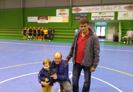 A Federación Galega de Fútbol Sala premia a Muebles Jogafán pola súa contribución á práctica desta modalidade
