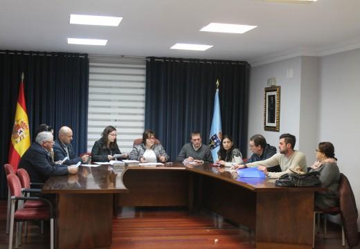 Lousame aproba por unanimidade reintegrar en dez anos os 130.000 euros da liquidación da Participación nos Tributos do Estado de 2013