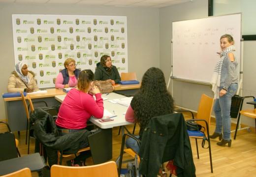 Ordes acolle un novo curso de alfabetización básica para mulleres estranxeiras