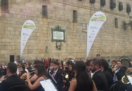 """O ciclo """"Música no Camiño"""" continúa difundindo a cultura galega nas mañás dos domingos en Santiago de Compostela"""