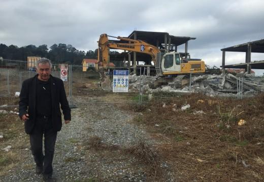 """O concello derruba a estrutura de """"As Placas"""" en Castroboo para repoñer a legalidade"""