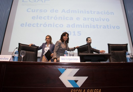 A EGAP forma aos empregados públicos para conseguir unha administración sen papel