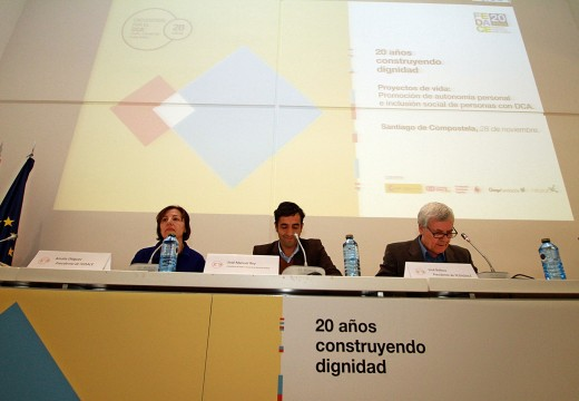 José Manuel Rey Varela clausurou o ciclo de encontros organizado pola Federación Española de Dano Cerebral con motivo do seu 20 aniversario