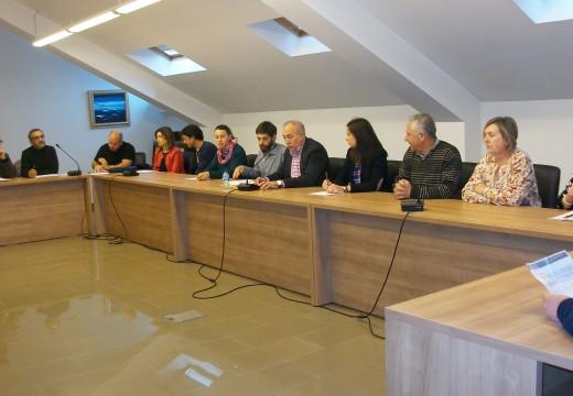 O pleno de Brión aproba unha modificación de crédito para compensar á firma propietaria de dúas parcelas na urbanización Villa Amalia