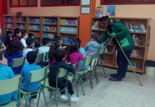 O Apalpador visita aos escolares de Fene