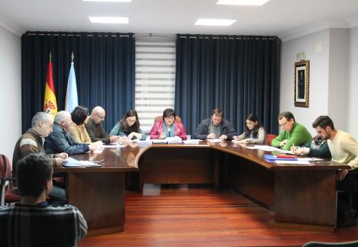 O pleno de Lousame aproba un investimento de case 375.000 euros en obras do Plan de Acción Social e do Plan de Obras e Servizos