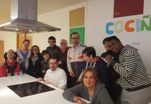Clase maxistral de cociña a cargo de Tito Fernández Calvo no curso de habilidades sociais