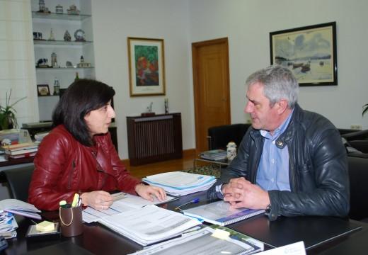 O alcalde de Carral trasladoulle á conselleira do Medio Rural a súa intención de solicitar unha subzona na IXP Pan Galego