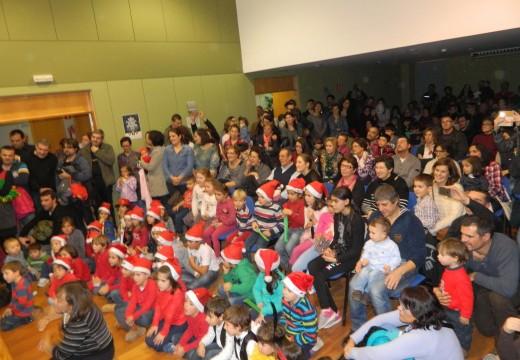 Máis de 200 persoas ateigaron o polivalente de Brión no IV Concerto de Nadal do alumnado da Escola Municipal de Música Magariños