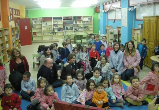 """A Segunda sesión do Programa """"Contamos"""" leva ao Colexio Centieiras á Concelleira de Cultura e Ensino de Fene"""