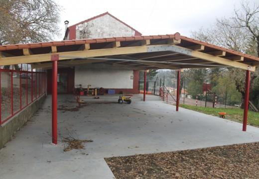 O Concello de Brión inicia as obras de mellora na escola unitaria dos Ánxeles