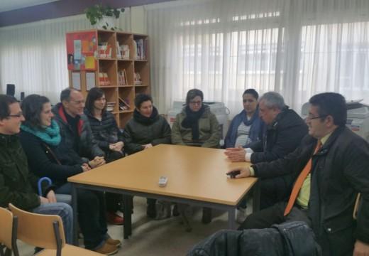 O xefe territorial da Consellería de Educación na provincia da Coruña, Indalecio Cabana, visitou as instalacións do colexio María Barbeito