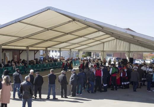 A tradición, o folclore e a artesanía marcan o inicio da XVIII Festa do Lacón con Grelos en Mesón do Vento