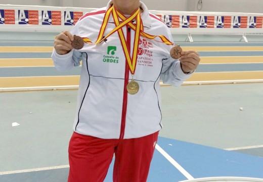 Lote de medallas para a atleta ordense Ánxeles Rodríguez