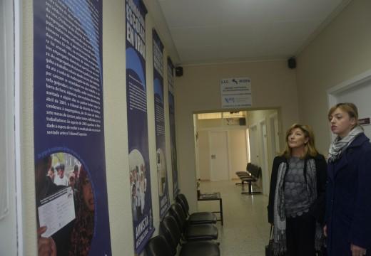 Unha exposición que se exhibe na UAD traza unha radiografía sobre a problemática da violencia de xénero en distintos países