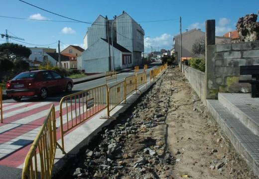 Arrancan en Aguiño as obras para a mellora da seguridade viaria e renovar os servizos na rúa Francisco Lorenzo Mariño