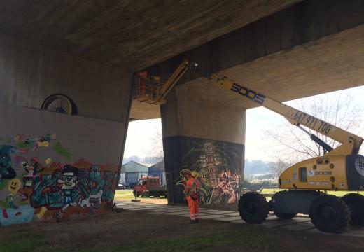 Audasa atende a demanda do concello e repara os canlóns da ponte da AP-9