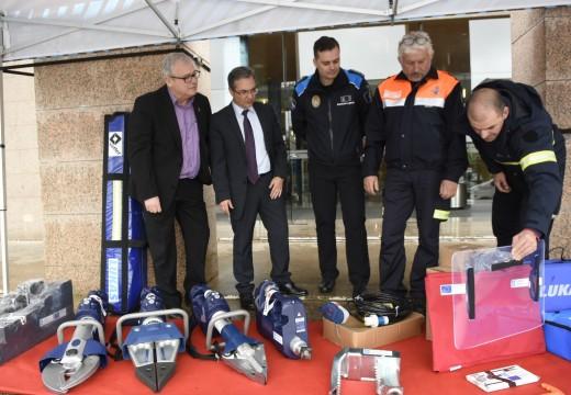 A Xunta fai  entrega dun equipo de excarceración para rescate á Agrupación de Voluntarios de Protección Civil de Arteixo