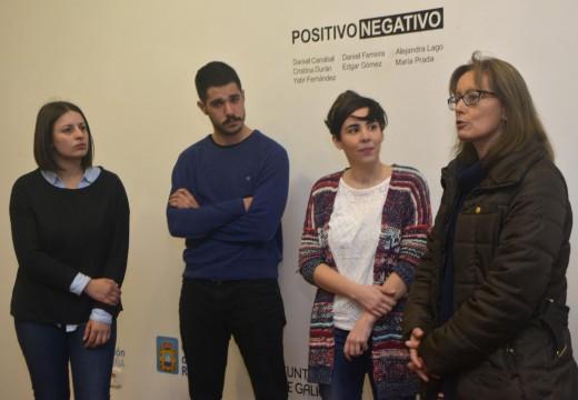O Museo do Gravado de Artes exhibe 30 obras de alumnos de Belas Artes de Pontevedra na exposición Positivo/Negativo