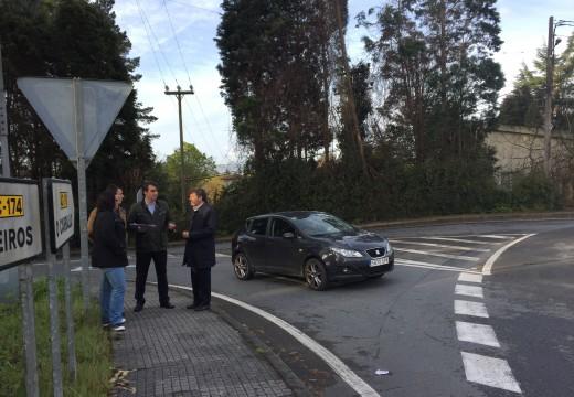 O delegado territorial da Xunta na Coruña, Diego Calvo, visitou as estradas do Concello de Oleiros incluídas neste contrato de melloras de seguridade viaria
