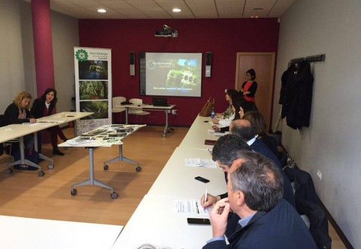 Os concellos de Área Santiago reúnense para comezar a traballar nun novo convenio