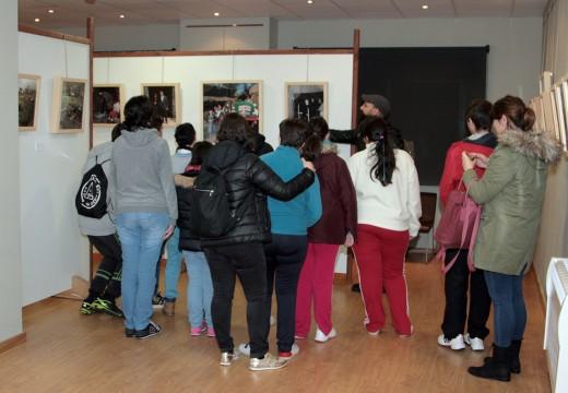 O Museo do Traxe recibe a visita dos rapaces e rapazas do centro de educación especial Fernando López Navalón