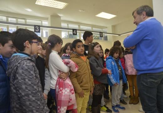 30 nenos do colexio de Artes coñeceron hoxe diversas instalacións municipais