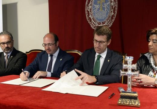 Galicia e Murcia asinan un protocolo de colaboración para trasladar a experiencia na promoción do Camiño de Santiago á celebración do Ano Santo de Caravaca de la Cruz 2017