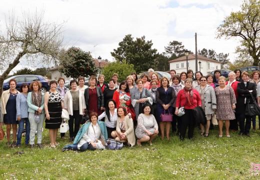 As alumnas da Escola de Nenas de Trasmonte (Oroso) volven reunirse 48 anos despois