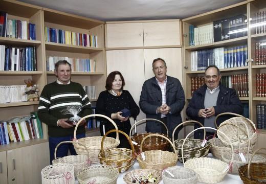 20 veciños e veciñas de Touro participaron no curso de cestería para recuperar a tradición dos vellos oficios