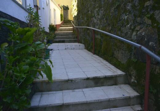 O concello compra dúas parcelas para aperturar unha nova vía que dea acceso rodado á rúa das Escaleiras en Bandourrío