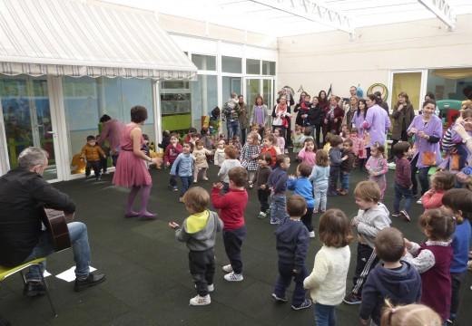 A escola infantil municipal de Brión acolleu 3 concertos durante a súa Semana da Música