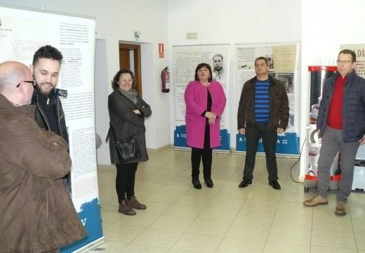Inaugurada a exposición 'A Illa da Memoria' na Casa da Cultura de Lousame