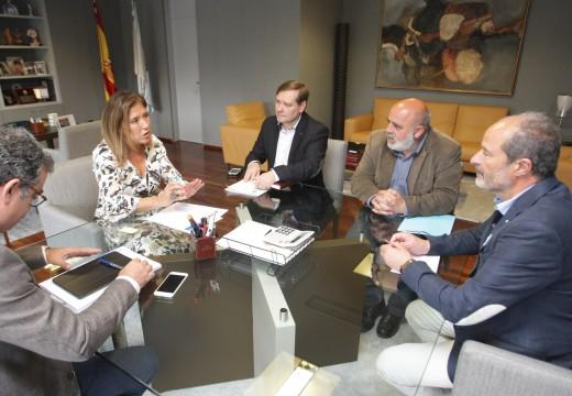 Mato traslada aos alcaldes da Laracha, Fene, e As Somozas que a retirada de pneumáticos comezará nuns catro meses