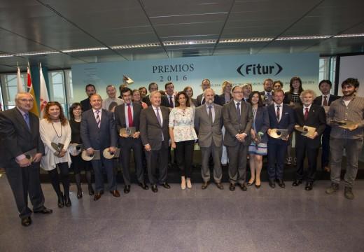 A Xunta recolle o premio ao Mellor Produto de Turismo Activo na modalidade de Enogastronomía concedido en Fitur