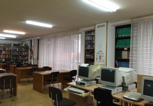 A Biblioteca ampliará o seu horario de apertura a partir de xuño cos servizos dunha empresa de economía social