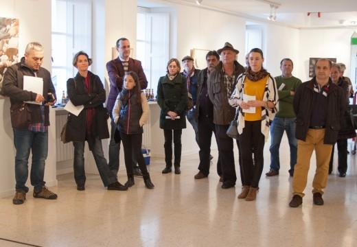 """A sala de exposicións de Brión albergará ata o 20 de maio a exposición de pintura """"Like a rolling stone"""", de Carmen Torres"""