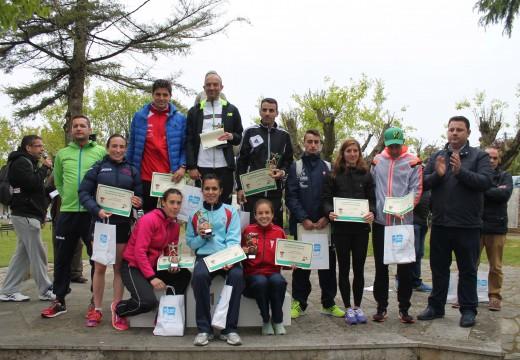 Lolo Penas e Ester Navarrete gañan a III Carreira Pedestre de Frades, que reuniu a máis de 400 atletas de toda Galicia