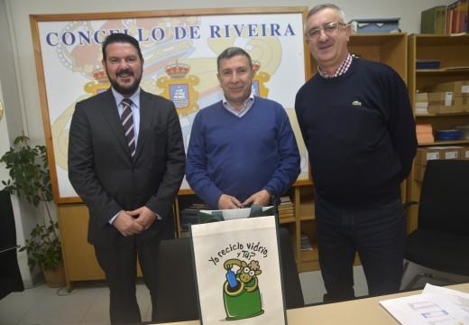 Concello de Riveira e Ecovidrio activan unha campaña para aumentar a reciclaxe de vidro pensada na hostalería e á cidadanía en xeral