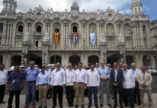 """Feijóo afirma que Galicia e os galegos de todo o mundo """"estaremos ao lado de Cuba neste ilusionante proceso de actualización que o pobo cubano decidiu emprender"""""""