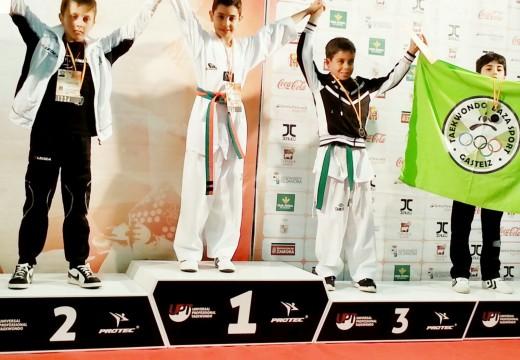 O Boudsport de Ordes regresa a casa con dous ouros do Professional Taekwondo Open