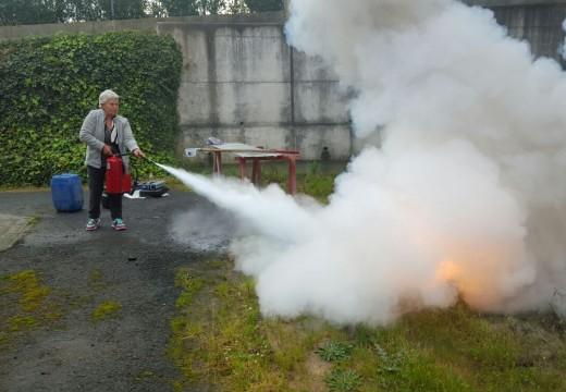 Protección Civil leva a cabo unha charla en Andeiro para informar sobre os perigos do lume