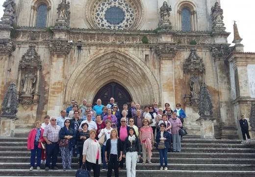 Un total de 44 maiores participaron nunha viaxe por Lisboa e a costa portuguesa