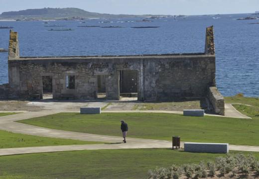 O concello solicita autorización a Costas para restaurar a antiga fábrica de salazón situada en Punta do Castro en Castiñeiras