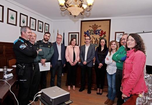 A Xunta asiste á constitución da mesa local de coordinación interinstitucional contra a violencia de xénero do concello de Negreira