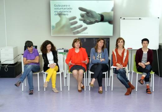 A Xunta agradece o compromiso na loita contra a violencia de xénero dos participantes no curso de voluntariado de Santiago
