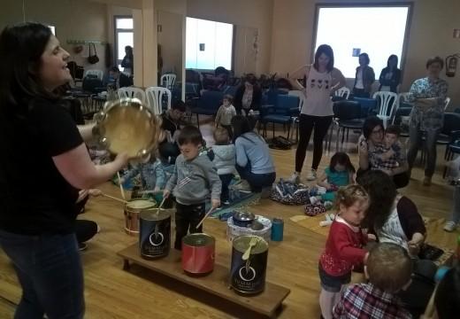 Sonoro festival de fin de curso para os nenos e nenas ordenses de ata 3 anos