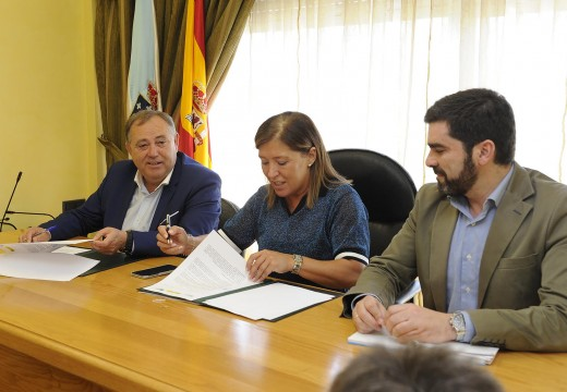 A Xunta e o concello da Laracha asinan o convenio que permitirá incrementar a capacidade de tratamento da EDAR