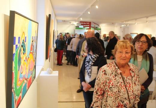 """A mostra coas obras da """"Trobada d´Art. De l´Empordà a Galicia"""" poderá visitarse na sala de exposicións de Brión ata o 22 de xullo"""