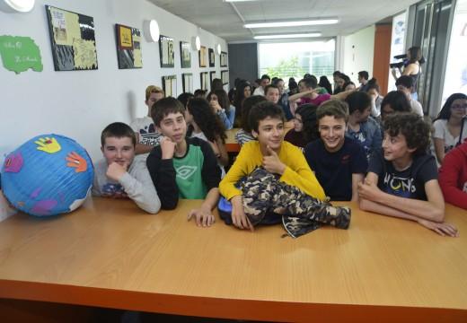 Alumnos do colexio Galaxia amosan na casa da xuventude a súa visión sobre Cervantes